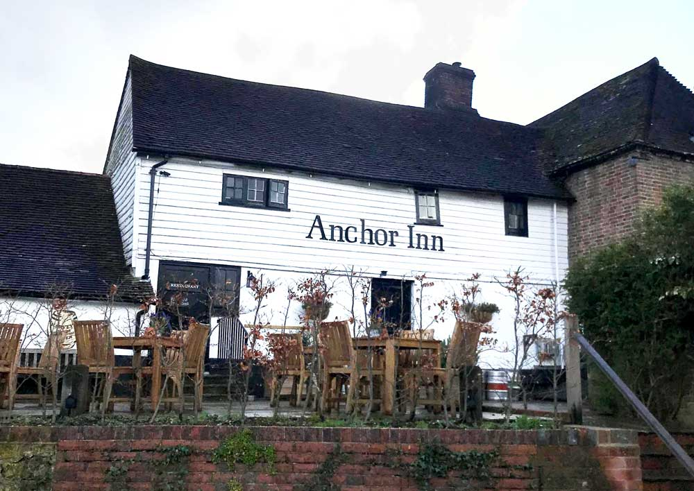 Image of the Anchor pub in Hartfield